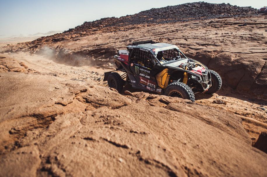 Aron Domżała i Maciej Marton utrzymali drugą pozycję w klasyfikacji generalnej Rajdu Dakar /Materiały prasowe