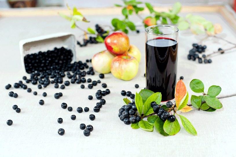 Aronia to niedoceniany owoc /123RF/PICSEL