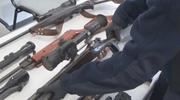 Arsenał broni i trofea myśliwskie w domu 39-latka