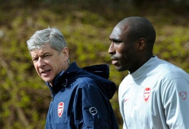 Arsene Wenger liczy, że Sol Campbell przedłuży umowę z Arsenalem /AFP