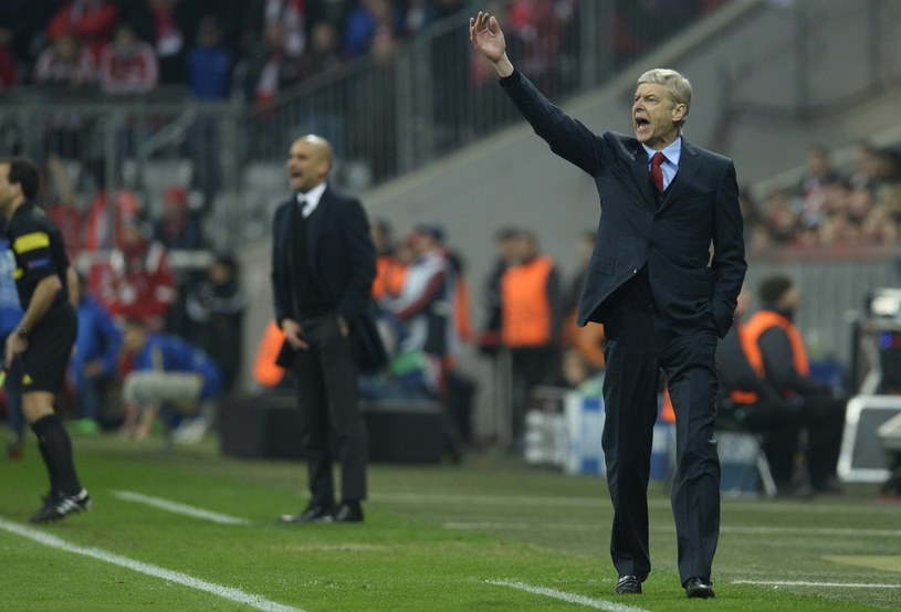 Arsene Wenger (z prawej). W tle Pep Guardiola /AFP