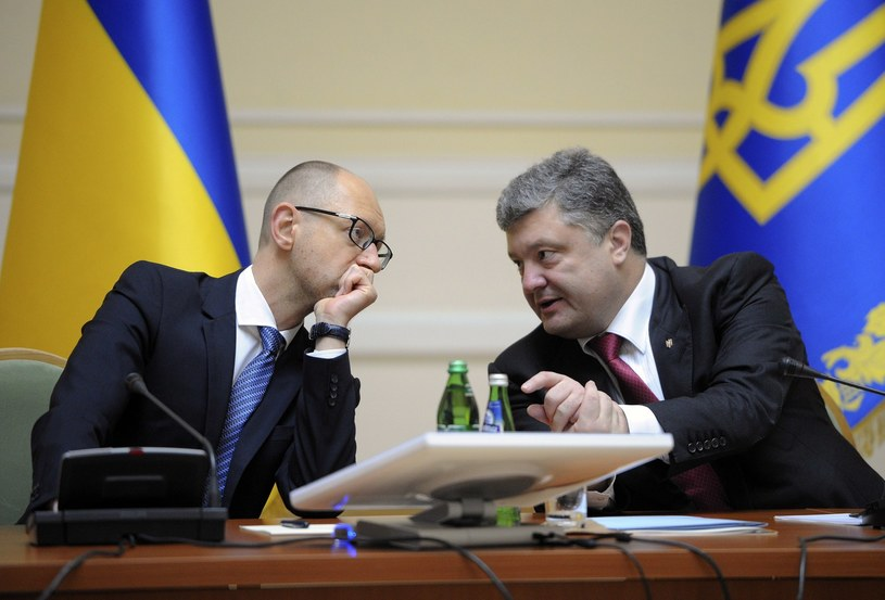 Arsenij Jaceniuk i Petro Poroszenko /AFP