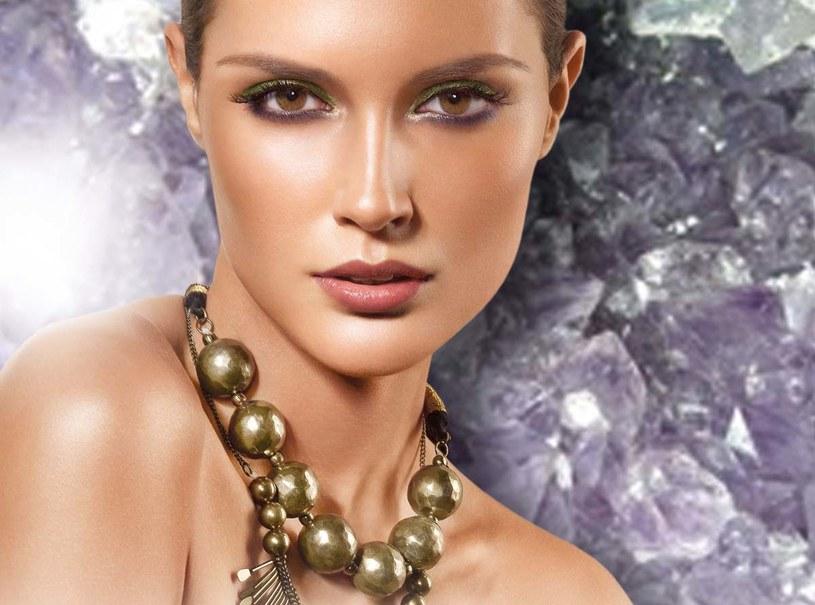 Artdeco Pure Minerals łączy w sobie właściwości upiększające oraz pielęgnacyjne.  /materiały prasowe