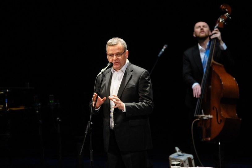 Artur Andrus i Łukasz Borowiecki podczas koncertu /Jakub Walczak/REPORTER /East News