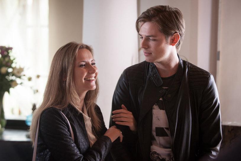 Artur będzie bliski paniki... Eliza to córka jego szefa! /Mikołaj Tym / Aktiv Media /materiały prasowe