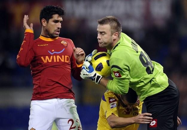 Artur Boruc nie popisał się w meczu z AS Roma /AFP