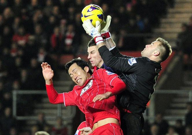 Artur Boruc świetnie radzi sobie w Premier League /AFP
