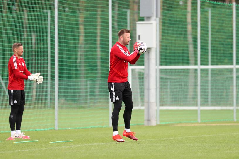 Artur Boruc wrócił do Legii po 15 latach. Był wyróżniającym się zawodnikiem w rundzie jesiennej sezonu 2020/21. /PIOTR KUCZA/FOTOPYK /Newspix
