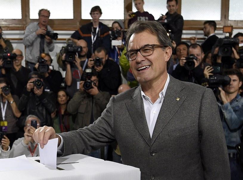 Artur Mas podczas głosowania ws. niepodległości Katalonii /AFP