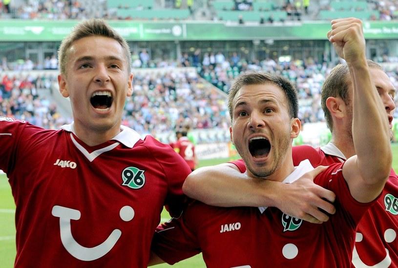 Artur Sobiech (L) dobrą grą w Hannoverze zapewnił sobie miejsce w kadrze /AFP