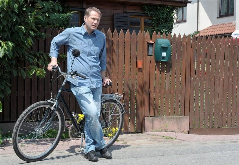 Artur Żmijewski jako ksiądz Mateusz Żmigrodzki /Agencja W. Impact