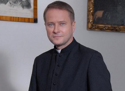 Artur Żmijewski jako ojciec Mateusz / fot. Marek Ulatowski /MWMedia