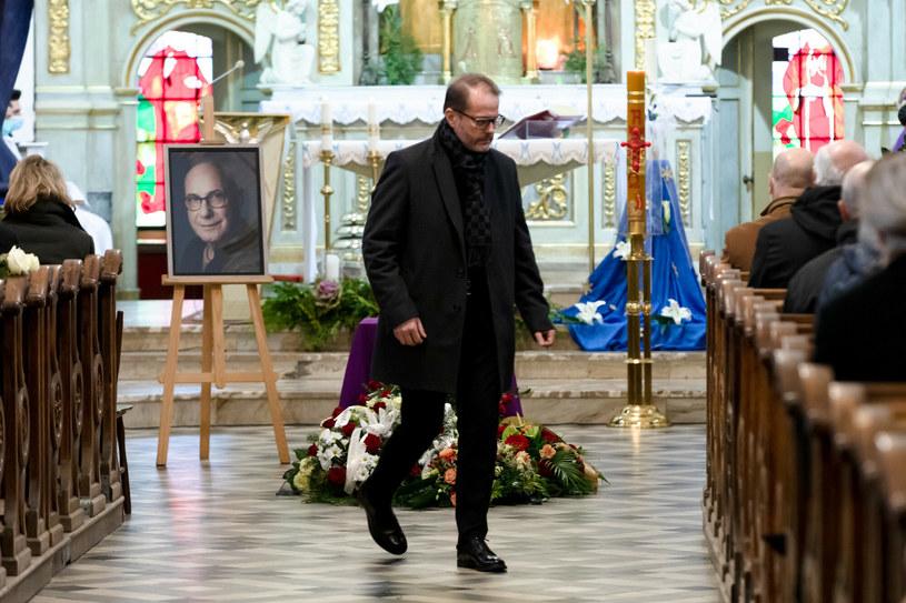 Artur Żmijewski na pogrzebie Piotra Machalicy /East News /East News