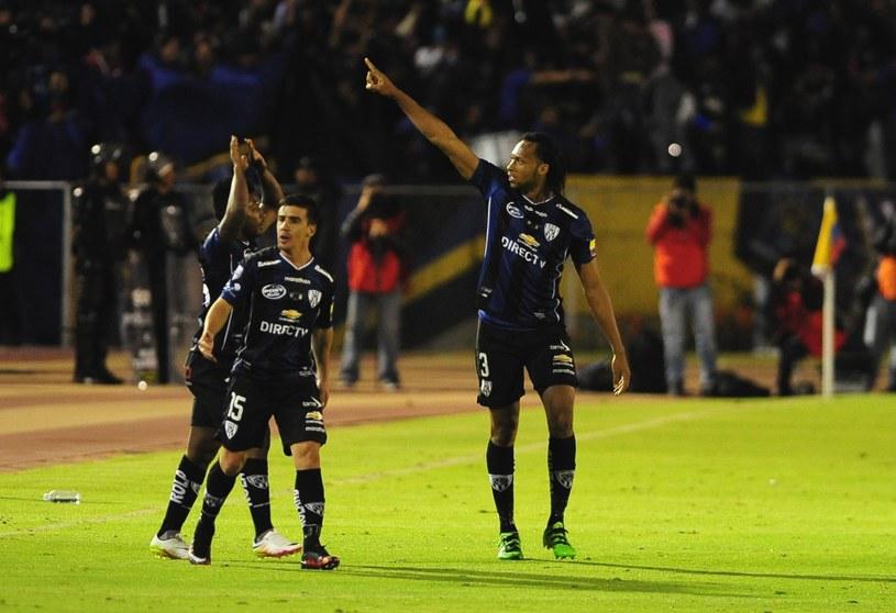 Arturo Mina (pierwszy z prawej) strzelił gola dla Independiente del Valle Sangolqui /AFP