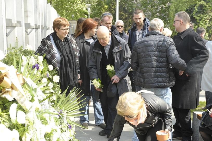 Artystkę pożegnało wiele znanych osób /Gałązka /AKPA