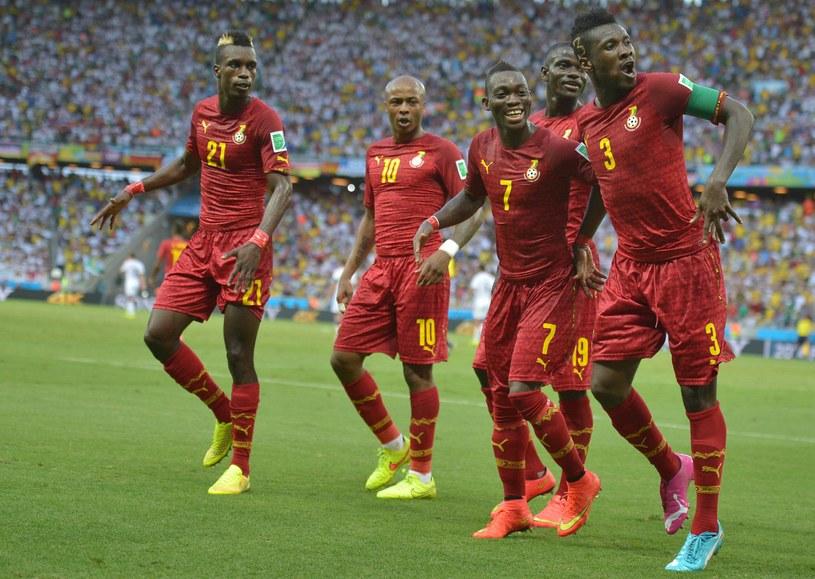 Asamoah Gyan (pierwszy z prawej) strzelił jednego gola dla Ghany /AFP