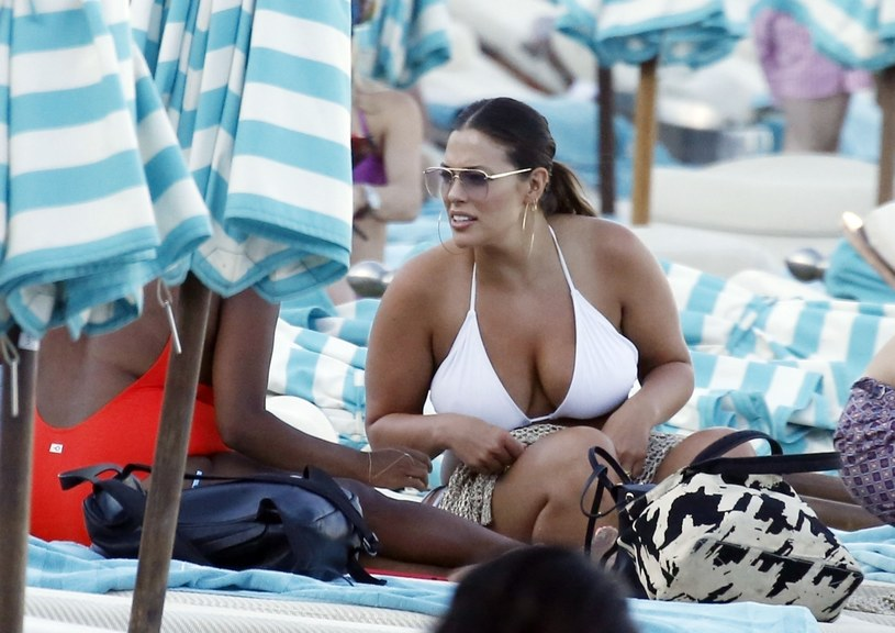 Ashley Graham na wakacjach /Agencja FORUM