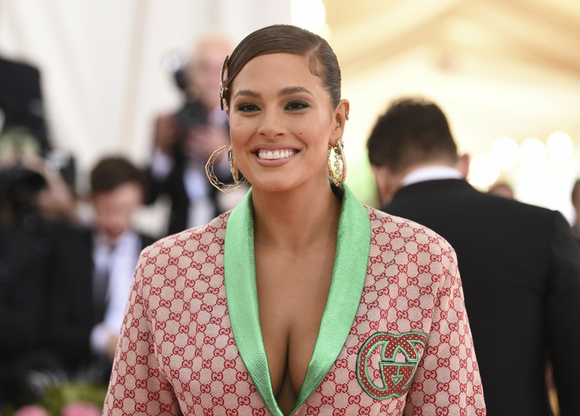 Ashley Graham podczas gali w Metropolitan Museum /East News