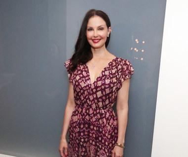 Ashley Judd po sześciu miesiącach od tragicznego wypadku zaczęła chodzić