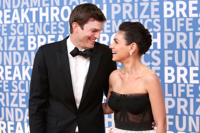 Ashton Kutcher i Mila Kunis po raz pierwszy razem na gali /Jesse Grant /Getty Images