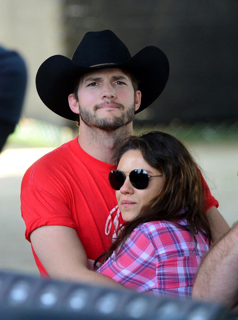 Ashton Kutcher i Mila Kunis /Frazer Harrison /Getty Images