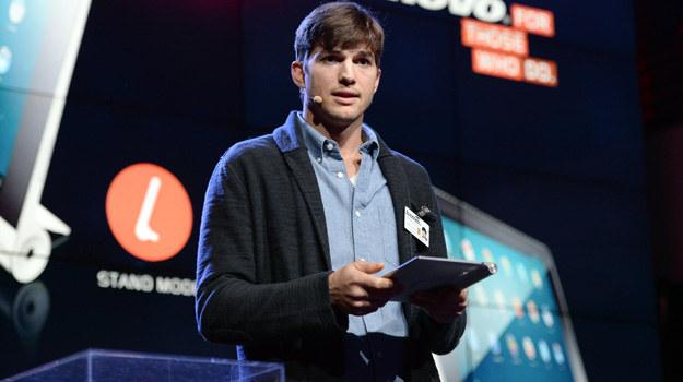 Ashton Kutcher udzielał będzie porad z zakresu szeroko pojętego show-biznesu. 35-letni aktor podpowiadał będzie m.in. jak odnieść sukces w branży filmowej. /Michael Kovac /Getty Images
