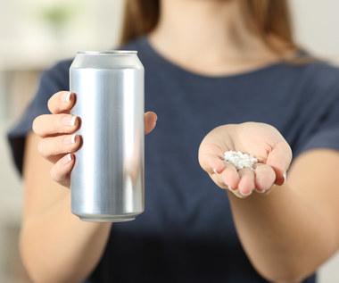 Aspartam - popularny zamiennik cukru. Czy jest bezpieczny dla zdrowia?