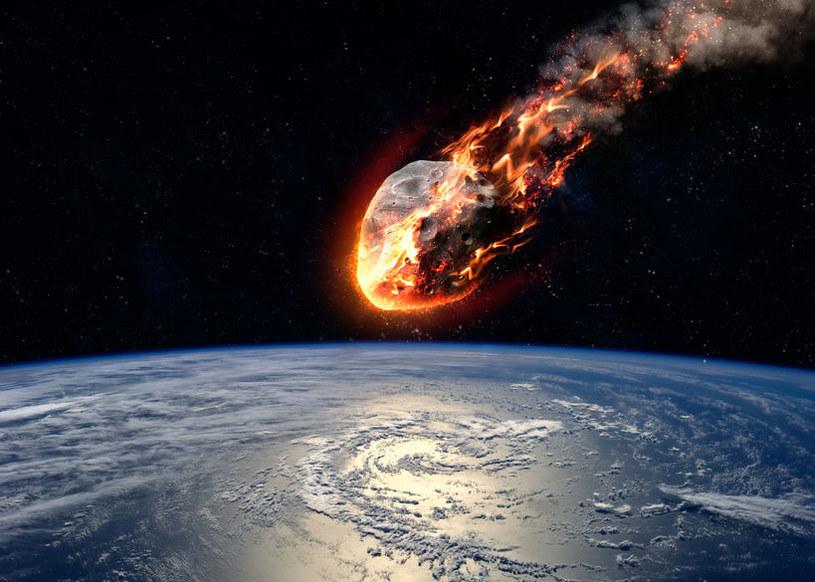 Asteroida 2018XB4 - ciało niebieskie o średnicy 70 metrów - może spaść na Ziemię 22 czerwca 2092 roku /123RF/PICSEL
