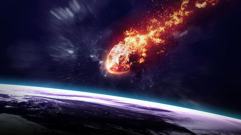 Asteroidy i komety zostaną wytrącone ze swoich orbit i część z nich może uderzyć w Ziemię /123RF/PICSEL