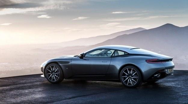 Aston Martin DB11 /Aston Martin