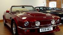 Aston Martin V8 Volante. Jeździł nim David Beckham