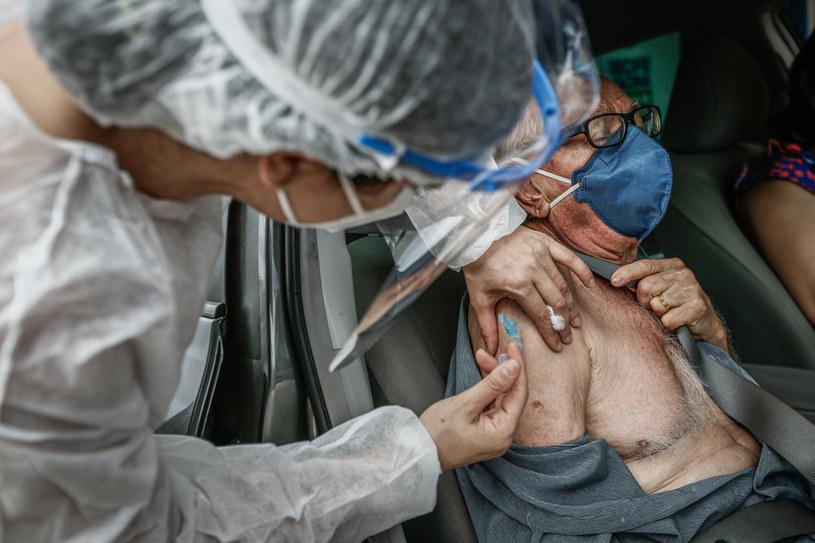 AstraZeneca broni skuteczności swojej szczepionki /AGIFP/Associated Press  /East News