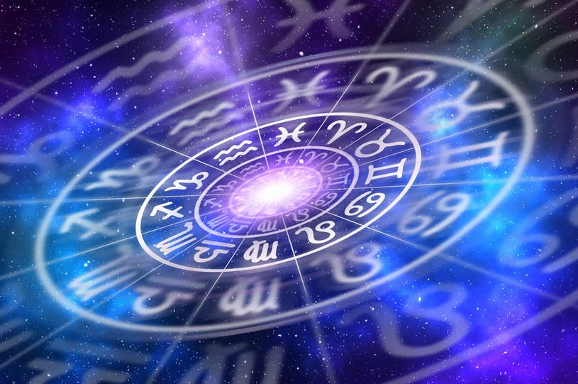 Astrolodzy twierdzą, że data urodzenia może rzutować na całe nasze życie /123RF/PICSEL