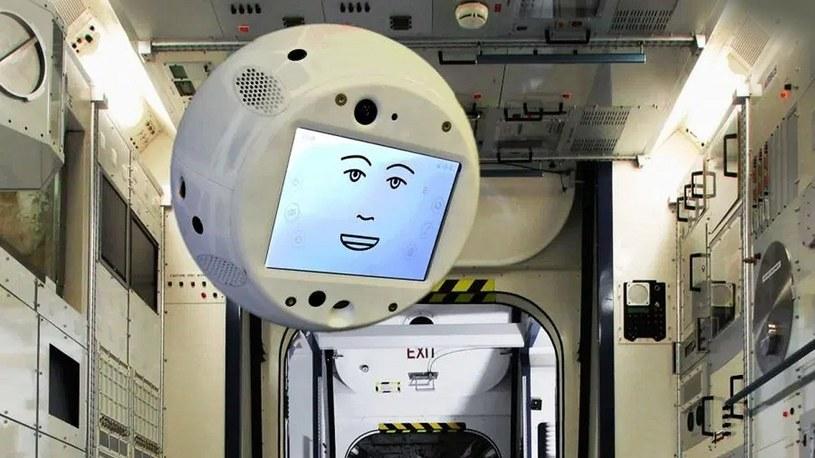 Astronauci są bardzo zadowoleni z towarzyszącego im astrobota o nazwie CIMON /Geekweek