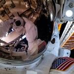 Astronauta zgubił lusterko podczas kosmicznego spaceru