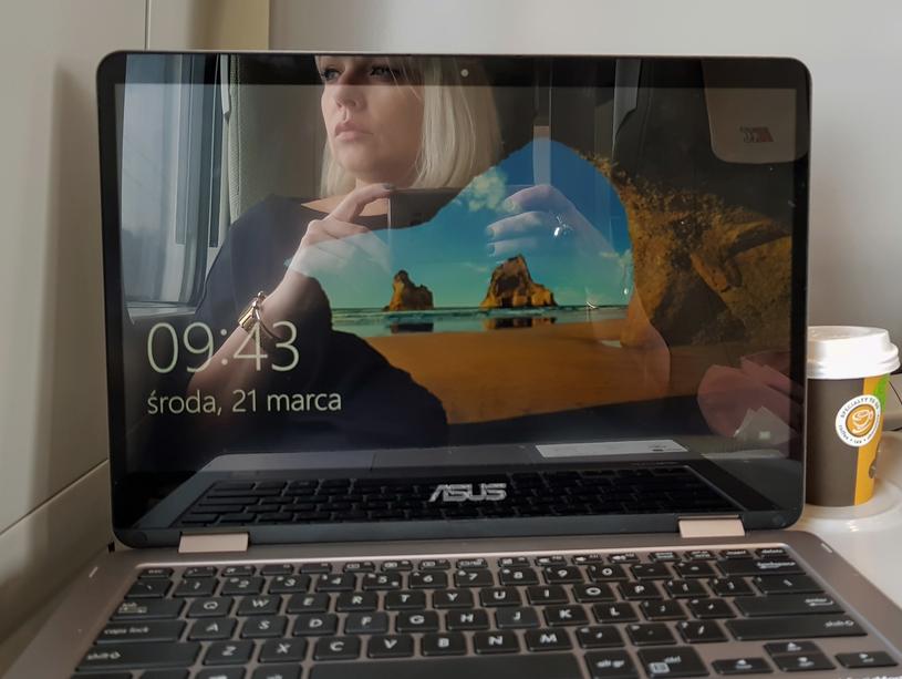 ASUS VivoBook Flip jest wygodny w podróży /Styl.pl
