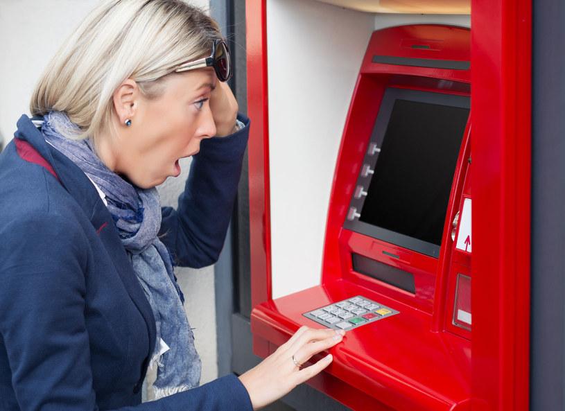 Atak jackpotting jest przeprowadzany poprzez włamywanie się do oprogramowania bankowego lub za pomocą specjalnego sprzętu /123RF/PICSEL
