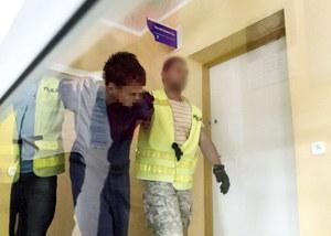 Atak na 10-latkę w Kamiennej Górze. Wątpliwości ws. działań policji