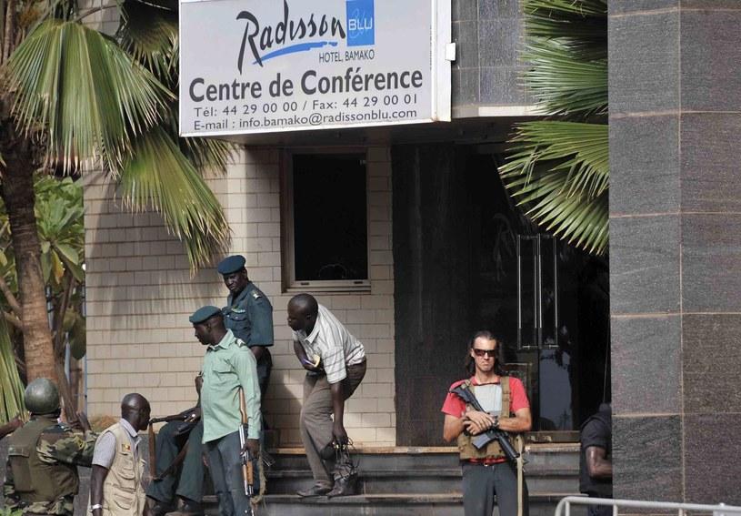 Atak na hotel w Mali. Nie ma dowodów na zaangażowanie IS /PAP/EPA