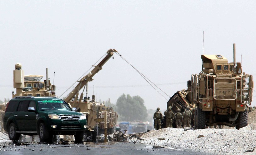 Atak na konwój NATO /MUHAMMAD SADIQ /PAP/EPA