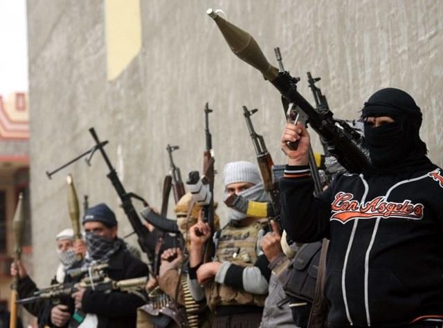 Atak rządowego lotnictwa na rebeliantów w Ramadi /MOHAMMED JALIL /PAP/EPA