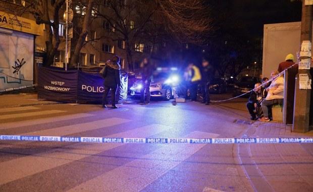 Atak zamaskowanego nożownika w Warszawie. Napastnik został zatrzymany