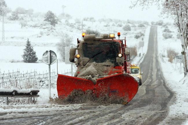 Atak zimy ma potrwać w Hiszpanii do niedzieli /JAUME SELLART /PAP/EPA