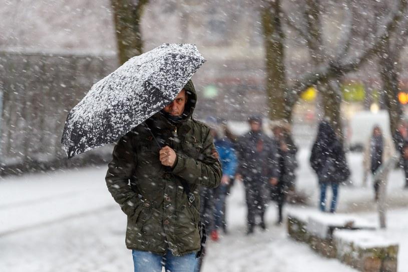 Atak zimy w Szczecinie /Robert Stachnik /Reporter