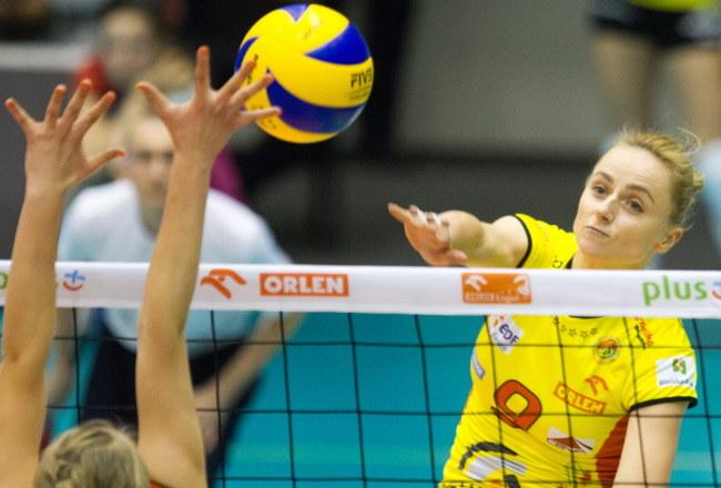 Atakuje Karolina Ciaszkiewicz-Lach z Aluprofu /Andrzej Grygiel /PAP