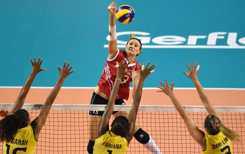 Atakuje Turczynka Neriman Ozsoy /AFP