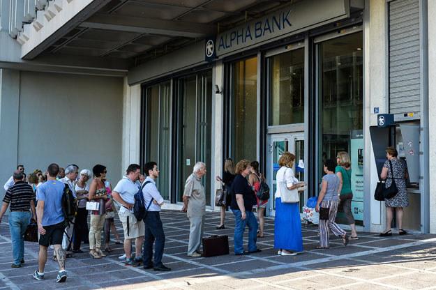 Ateny: Kolejka przed bankomatem fot. Andreas Solaro /AFP
