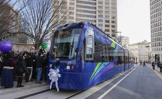 Atlanta Streetcar jeździ po pętli długości 4,34 km /EPA
