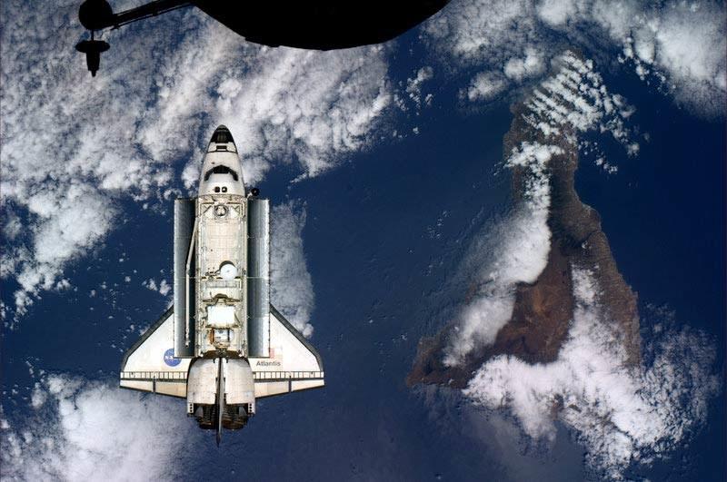 Atlantis, widziany z ISS tuż przed dokowaniem  /Fot. NASA/Astro_Soichi Noguchi