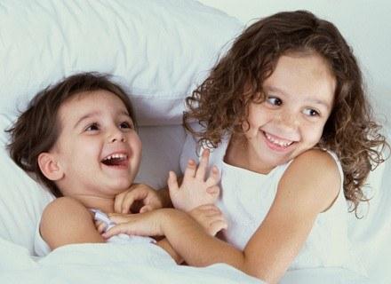 Atopowe zapalenie skóry to jedno z najczęściej występujących u dzieci przewlekłych schorzeń /ThetaXstock